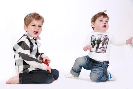 zwei-buben-kinderfotos