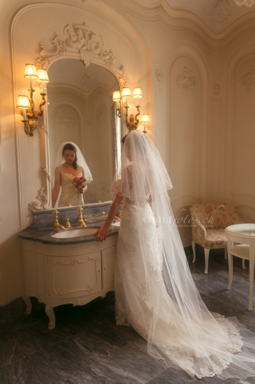 Hochzeit Braut Badezimmer St Charles Hall Meggen Luzern Swiss Bilifotos.ch Fotostudio Fotografin