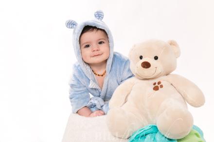 ein junge und sein Teddybear bilifotos.ch