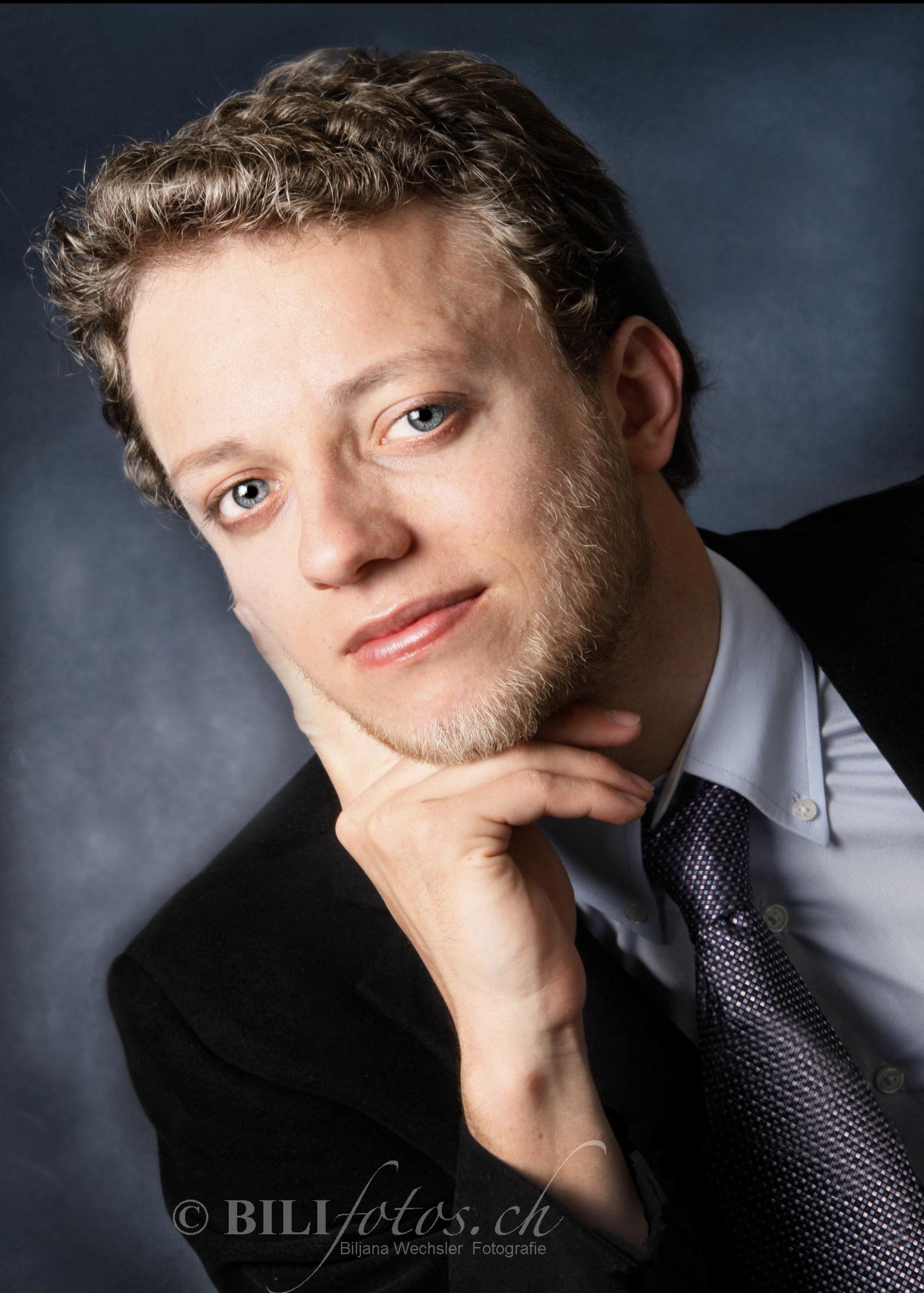 Nachher Bewerbungsfoto Anwalt inkl MakeUp & Haarstyling