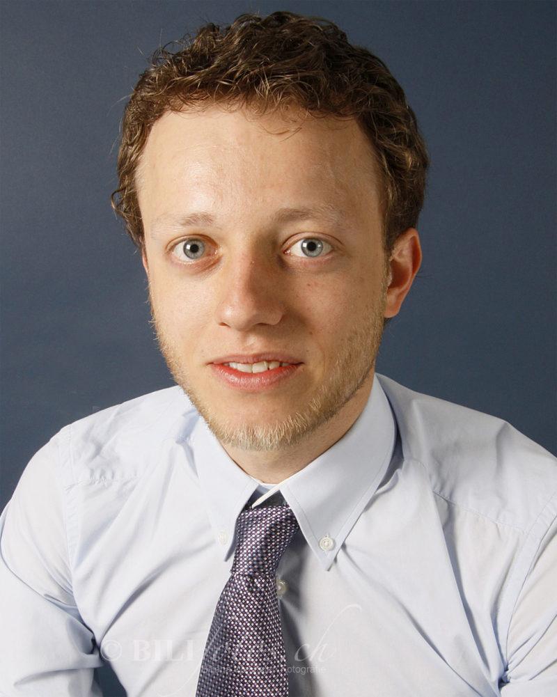 Vorher Bewerbungsfoto Anwalt inkl MakeUp & Haarstyling