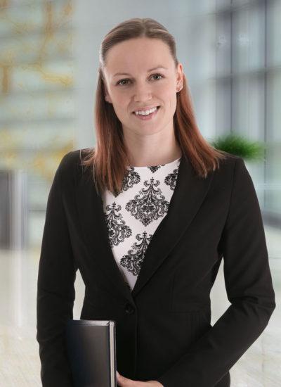 moderne businessfotos und firmen - fotografie business frau event managerin fotostudio luzern bilifotos.ch